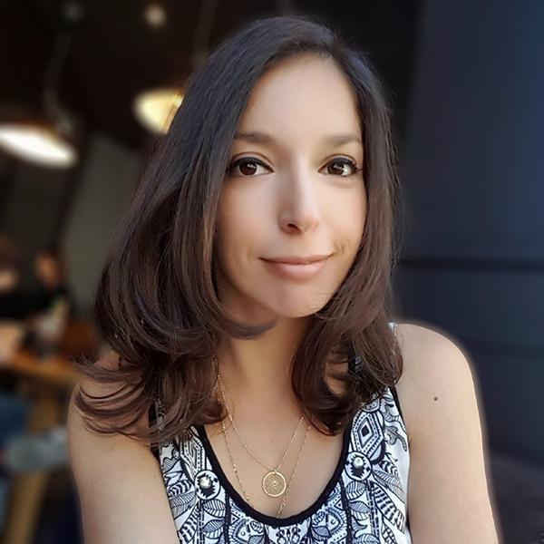 Julia Azoulay, juriste, auteur, blogueuse